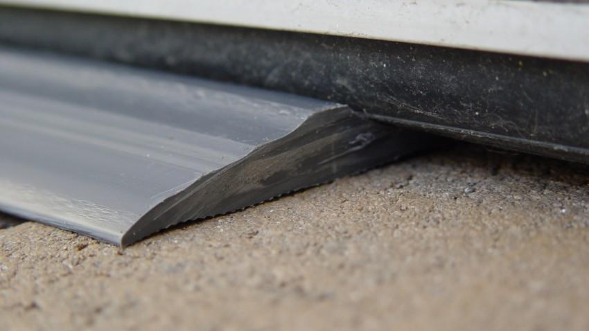 Garage-Door-Threshold-Seal